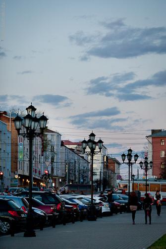 Скомканное пространство вечернего города