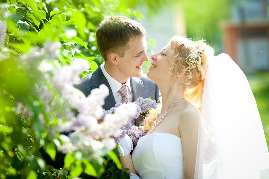 Весёлое свадебное фото