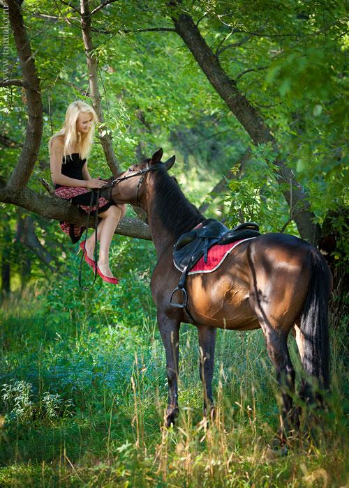 HorseLady_03