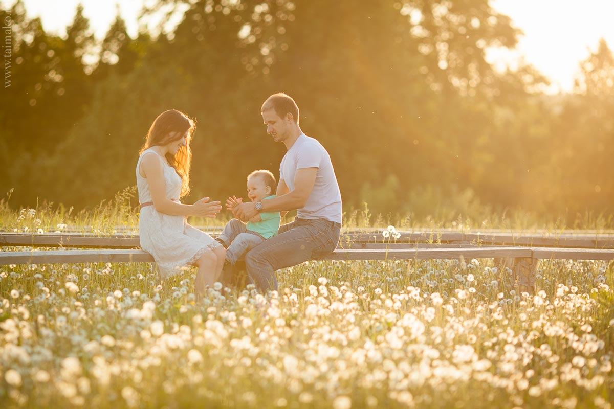 Семейная фотосъёмка на природе