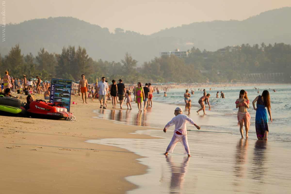 Karon-beach-Phuket-11