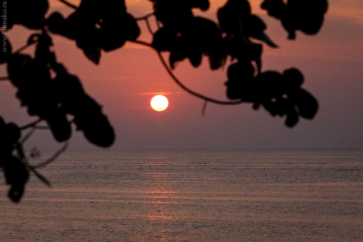 Пляж Карон на закате